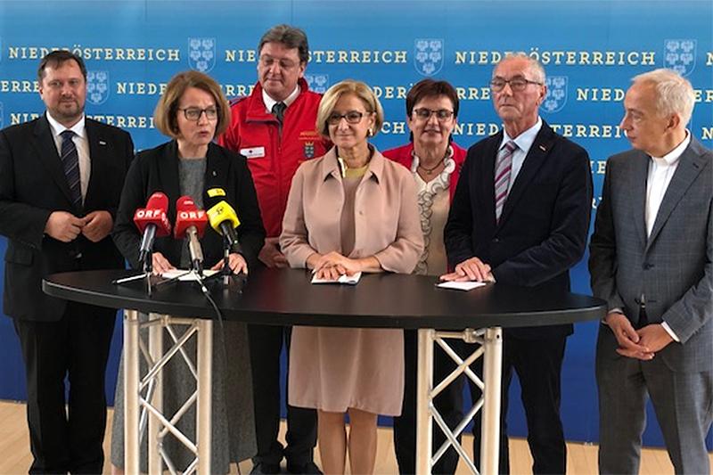 Pressekonferenz Sozialdienste Mikl Leitner Teschl