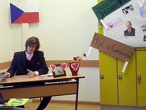 gymnázium Komenský Bewegte Bilder