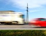 (Symbolfoto) Lkw auf Autobahn