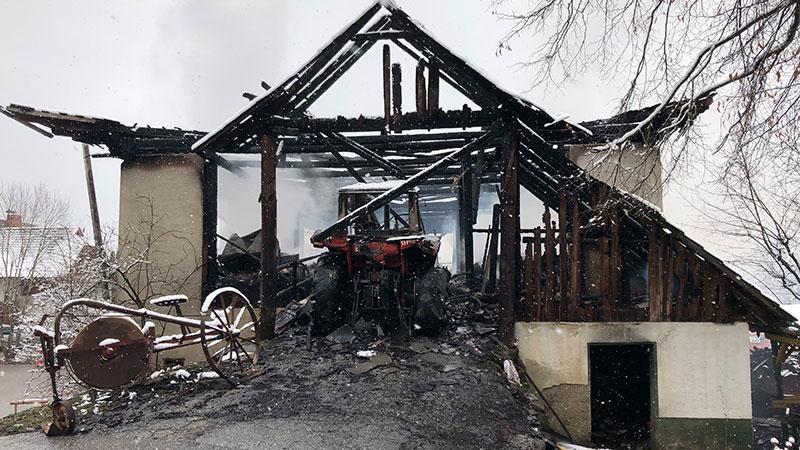 Brand Wirtschaftsgebäude Umberg Wernberg Verdacht Brandstiftung