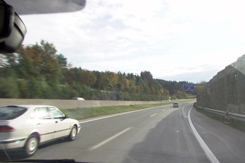Autos auf der Westautobahn (A1) bei Thalgau (Flachgau) in Richtung Wien