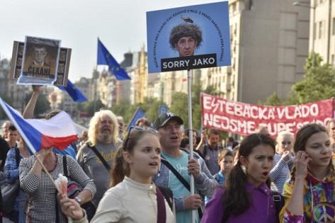 babiš prag demonstration 2018