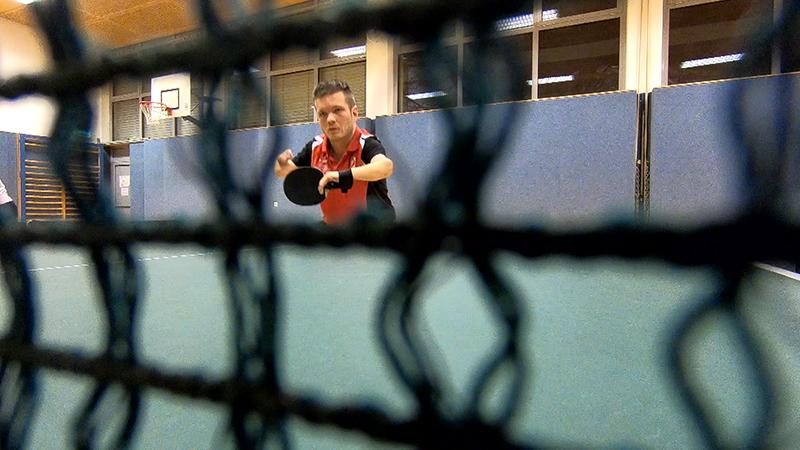Christian Schreiber spielt Tischtennis