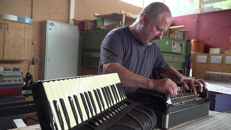 Klaus Paier Akkordeonist Akkordeon gebaut
