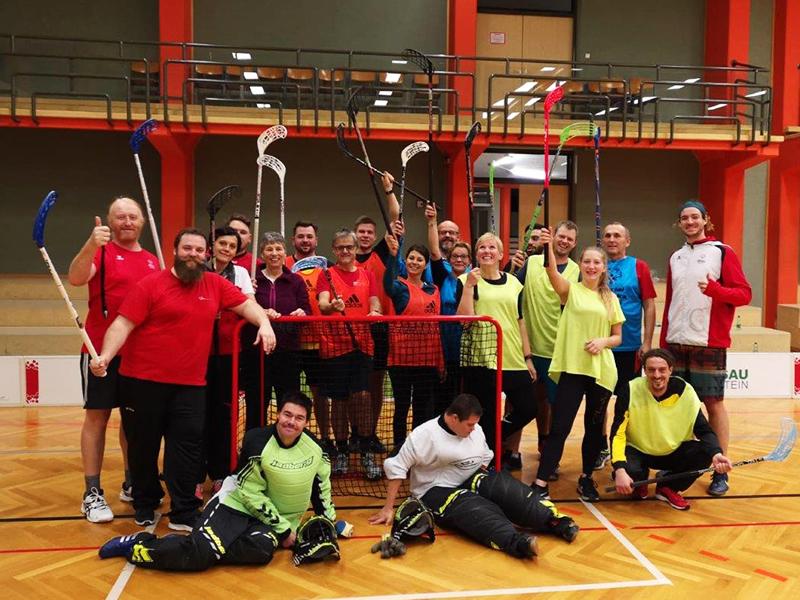 Seminarteilnehmer bei Floorball