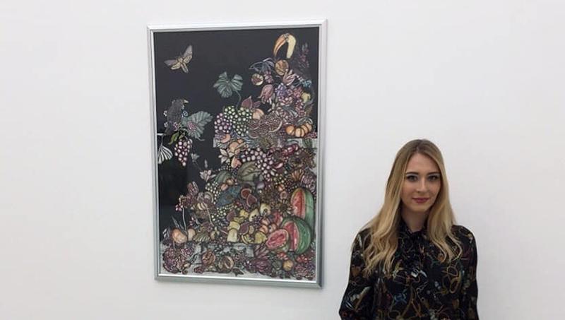 """Valentina Eberhardt mit ihrem Werk """"Weihnachten 2050"""""""
