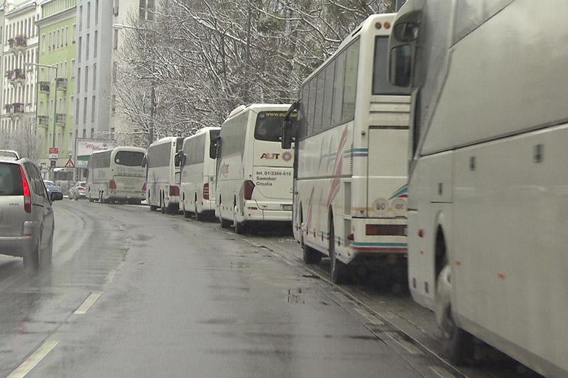 Busse geparkt