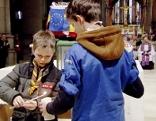 Verteilung an Pfadfinder im Mariendom in Linz