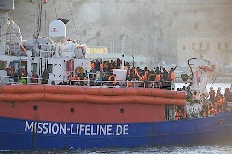 Rettungsschiff Lifeline beim Anlagen in Valetta, auf Malta, im Juni 2018