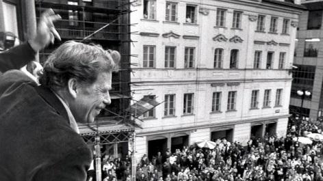 Václav Havel na fotce z prosince 1989