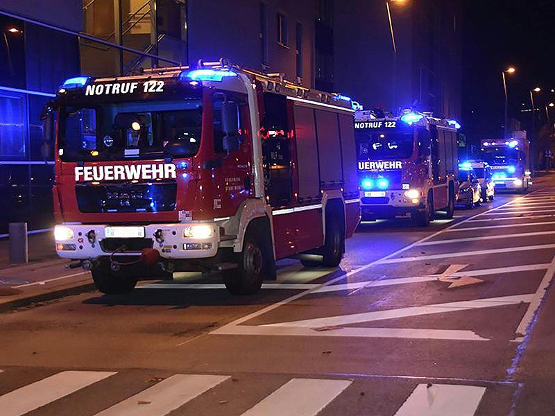 Feuerwehrautos bei Brand in Pflegeheim in Wien-Leopoldstadt
