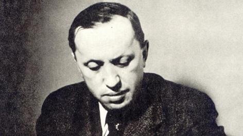 Karel Čapek na archivní fotografii ve svých třiceti letech.