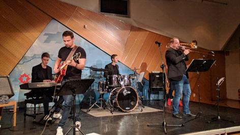CH Chameleon Jazzband