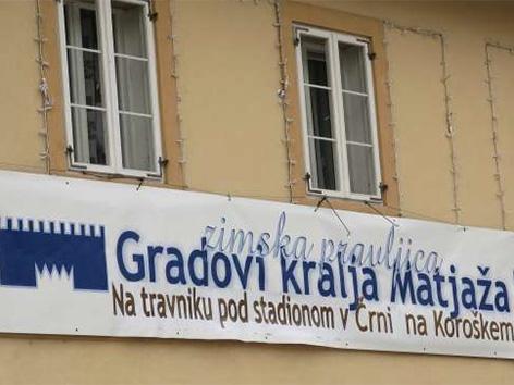 Romana Lesjak županja Črna gradovi Kralj matjaž snežene skulpture