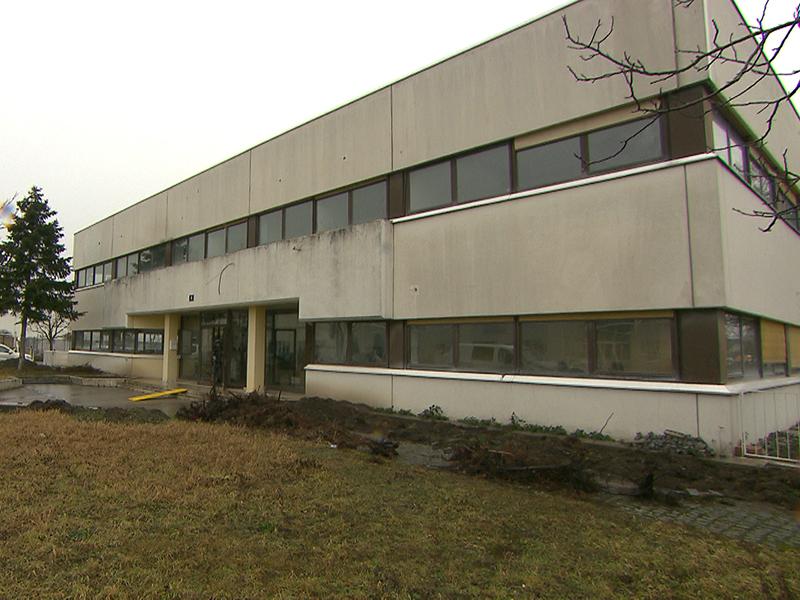 Das bestehende Gebäude im Gewerbegebiet in Floridsdorf