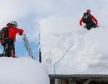Schneeinsatz Dächer freischaufeln