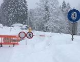 Straßensperre bei Schoppernau