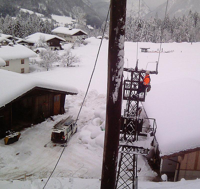 Noch immer viele Haushalte ohne Strom