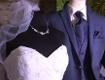 Brautkleid auf Puppe und Anzug auf Puppe
