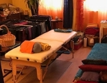 Zimmer mit Massagebett