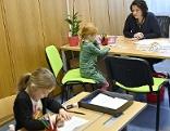 Kinder bei Schuleinschreibung