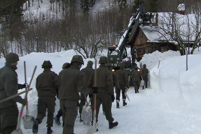 Schneeeinsatz Soldaten