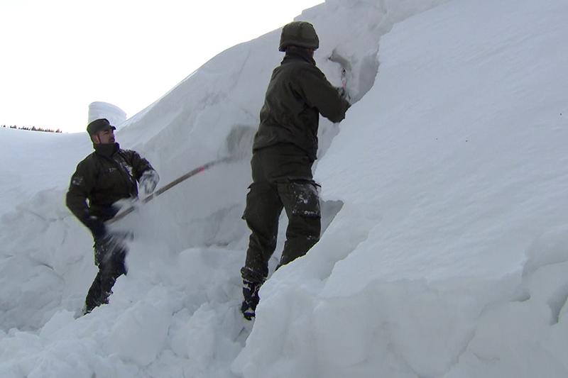 Soldaten im Schneeeinsatz