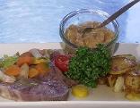 Rindfleisch mit Apfelkren und Röstkartoffeln
