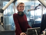 Astrologin Daniela Hruschka im Radiostudio