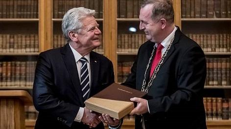 Joachim Gauck und Tomáš Zima Karls-Universität Prag