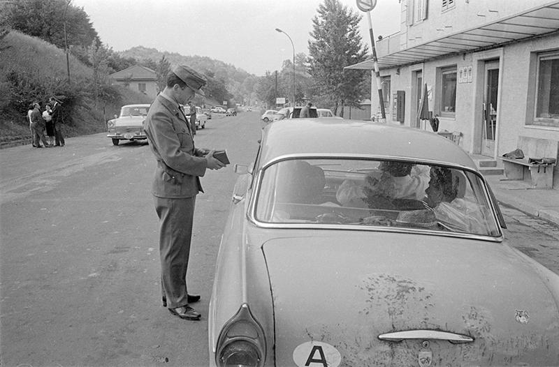 Zollkontrolle am Grenzübergang Spielfeld, 1965