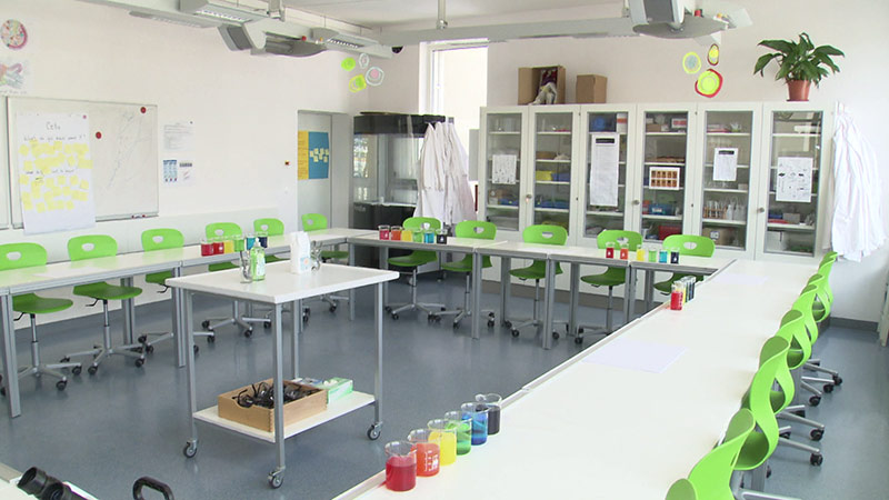 Chemielabor International School Velden MINT Fächer