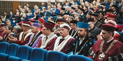 akademici při slavnosti založení Masarykovy univerzity