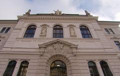 Landesgericht bzw. Justizgebäude Salzburg mit Staatsanwaltschaft
