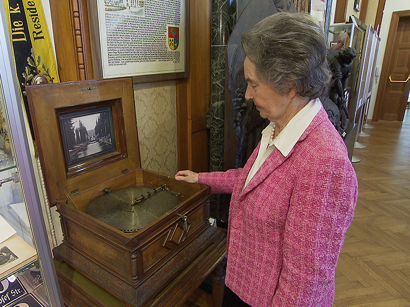 Leiterin Trude Neuhold im Bezirksmuseum Hernals