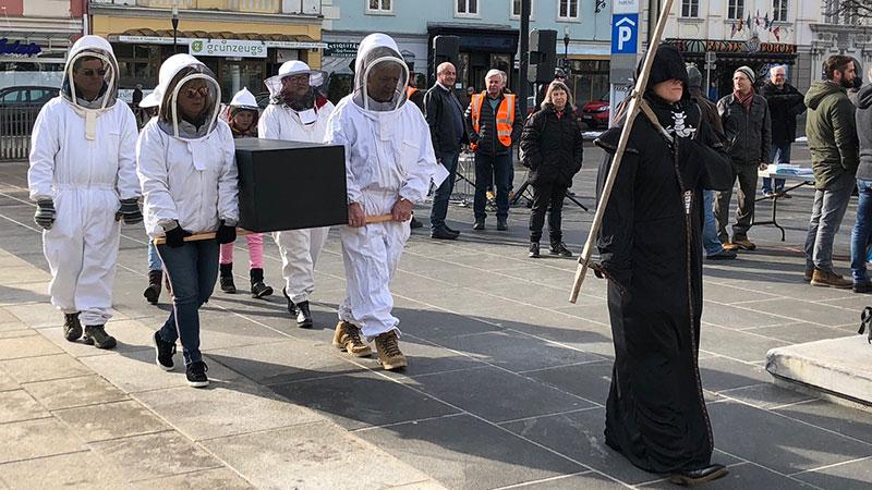Mahnwache Klagenfurt Carnica Biene