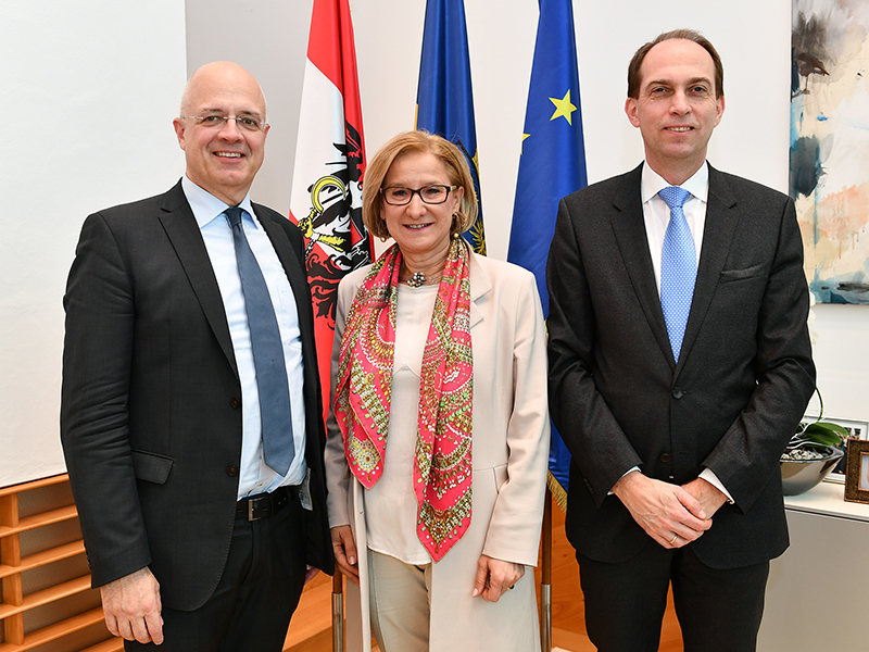 Gesundheitsreform Präsentation Strukturreform Mikl-Leitner Mazal Deimel