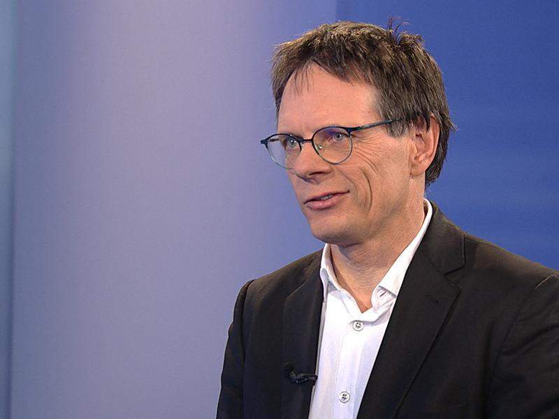 """Klaus Robatsch, Leiter des Forschungsbereichs im Kuratorium für Verkehrssicherheit (KFV), im """"Wien heute""""-Studio"""