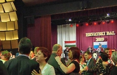 Hrvatski bal u Sambotelu
