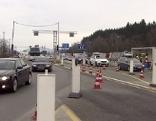 Deutsche Grenzkontrollstelle an der Autobahn auf dem Walserberg