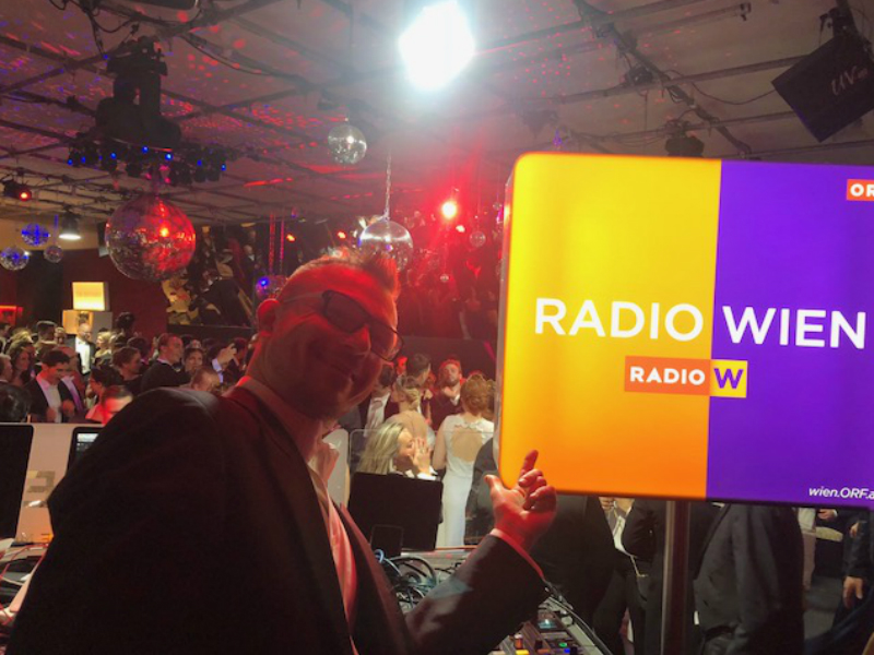 Radio Wien DJ Johannes Willrader am Wiener Opernball