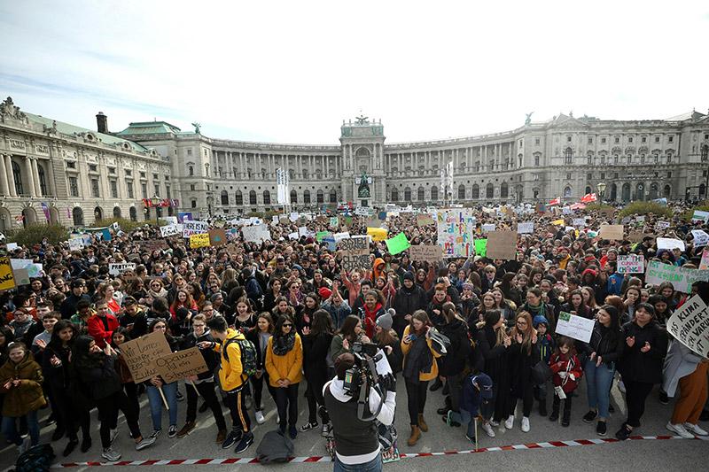 Demo Freitag Wien Detail: 10.500 Schüler Bei Klima-Protesten
