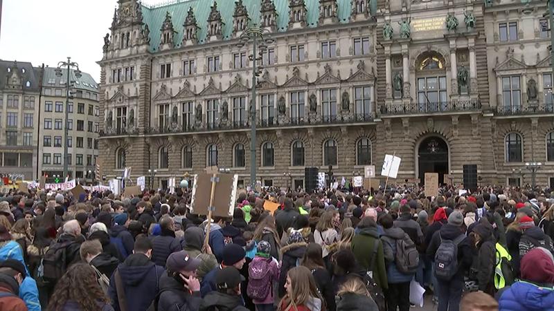 14.03.19 Schüler Demonstration Kundgebung Klimaschutz Klimawandel Heldenplatz Heuras