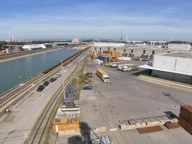 Überblicksbild Wiener Hafen