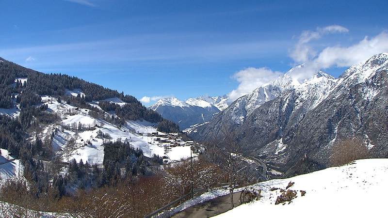 Blick ins Oberinntal von Weiler Falterschein aus