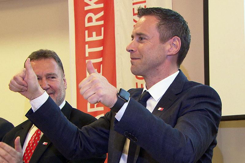 Der Salzburger Arbeiterkammerpräsident Peter Eder nach seiner Wiederwahl