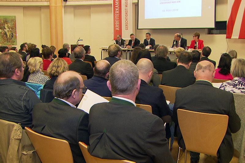 Vollversammlung der Salzburger Arbeiterkammer - das Arbeitnehmerparlament