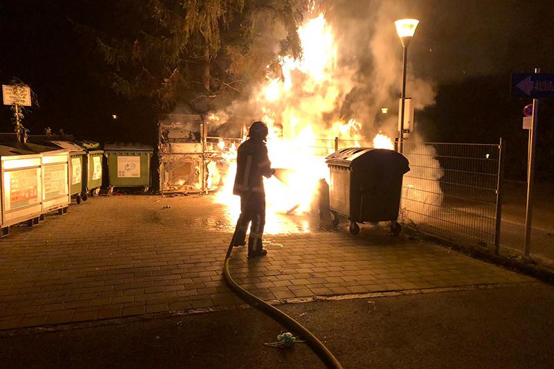 Brand einer Mülltonne