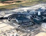 Der Flughafen Wien-Schwechat aus der Luft gesehen