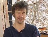 Künstler Roland Stecher im Atelier